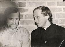 Ksiądz Jerzy Popiełuszko i Lech Wałęsa
