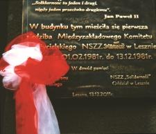 Odsłonięcie tablicy pamiątkowej przy ul. Chrobrego w Lesznie